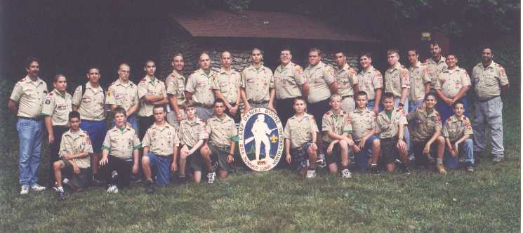 Summer Camp 1999 - Entire Troop.jpg (34536 bytes)